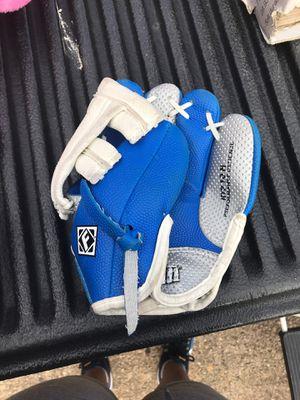 Kids baseball glove for Sale in Irving, TX