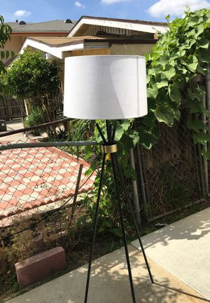 House floor lamp for Sale in Los Angeles, CA