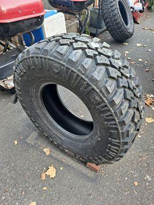 1 tire 305/70/16 for Sale in Newark, NJ