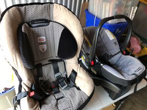 Baby car seats (2) good condition. Britax and Snugride for Sale in Sudley Springs, VA