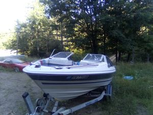 1987 20 foot 125hp outboard bayliner for Sale in MINEHAHA SPGS, WV