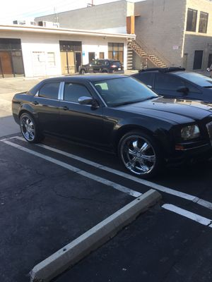 John.. Chrysler 300 2006 for Sale in Santa Clarita, CA