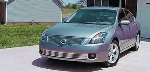 Family Vehicle 2007 Nissan Altima SL 2WDWheels for Sale in Columbus, OH