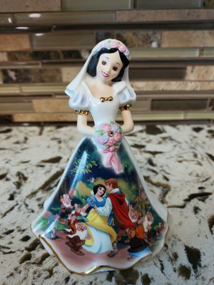 Disney Snow White Bell (Bradford) for Sale in Los Angeles, CA