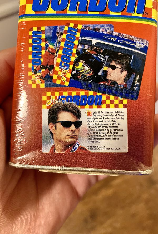 Cool 👌🏻👌🏻!! SEALED 1996 Jeff Gordan (4) Metal Cards in Tin Box !! Rare Collectible!