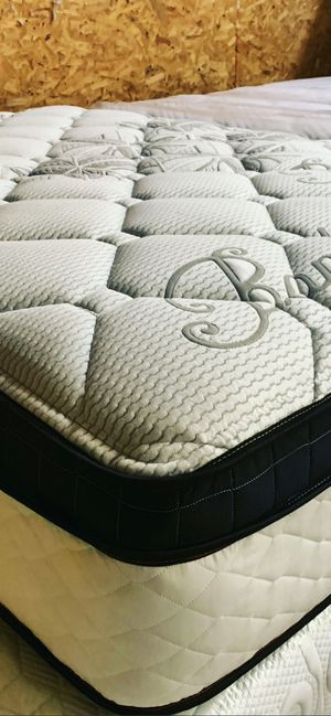 Mattress and box spring for Sale in Los Angeles, CA