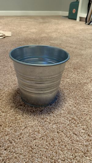 flower pot for Sale in Bellevue, TN