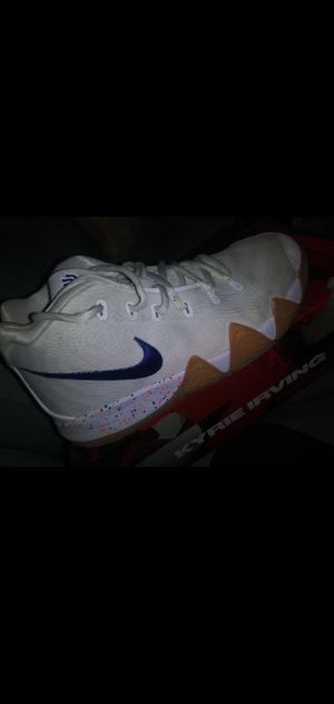 Nike Kyrie for Sale in Creedmoor, TX