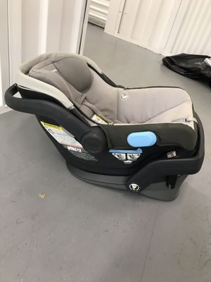 UPPA baby infant car seat for Sale in North Miami Beach, FL