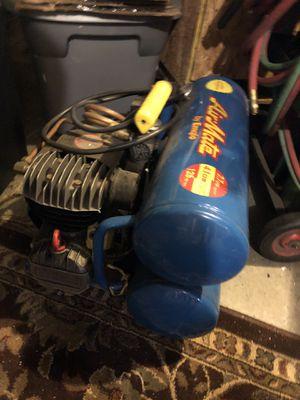 Emglo Air Compressor for Sale in Everett, WA