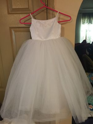 Beautiful David bridal girls size 3 dress for Sale in Columbus, OH