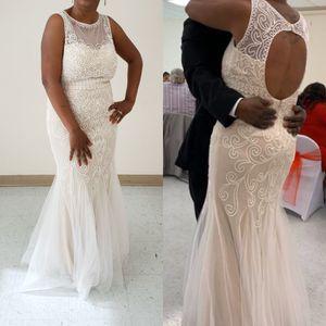 Wedding dress for Sale in Suffolk, VA