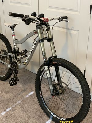 2014 Nukeproof scalp downhill bike for Sale in Vancouver, WA