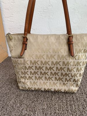 Michael Kors Purse for Sale in Lake Worth, FL