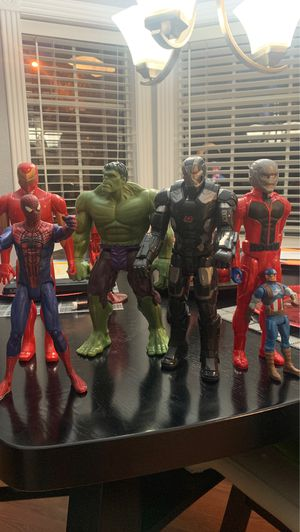 Marvel super hero's figurines set of 6 for Sale in Seabrook, TX