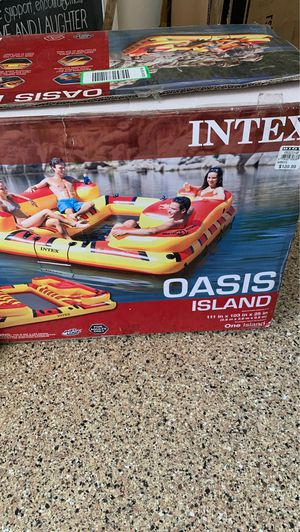 Large adult raft oasis 111 inch by 103 for Sale in Stevenson Ranch, CA