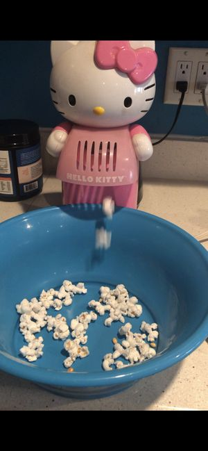 Hello Kitty popcorn air popper Working well and barely used for Sale in Yulee, FL