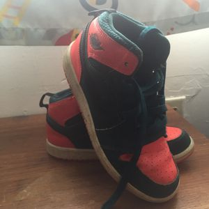 Boys Jordan's size 2 for Sale in Pittsburgh, PA