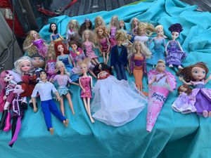 30 vintage Barbies, Kens, Bratz &. more All for $30 for Sale in League City, TX