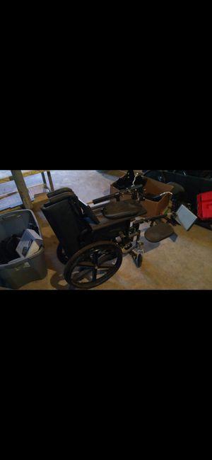 Wheelchair, breezy for Sale in Lexington, NC