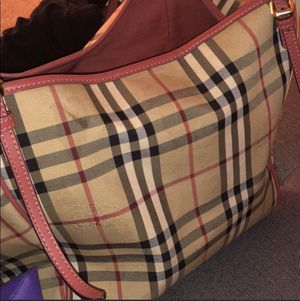 Burberry bag 100%authentic for Sale in Lutz, FL