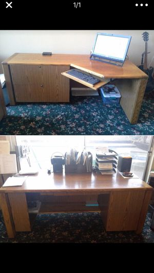 Oak desk for Sale in Castro Valley, CA