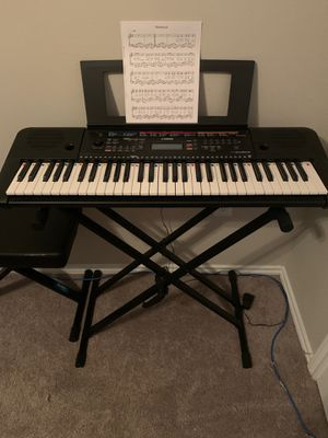 Yamaha piano with chair for Sale in Irving, TX
