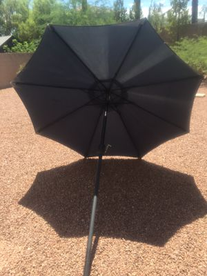 7 foot umbrella with crank handle and tilt!No tears, works perfectly! for Sale in Henderson, NV