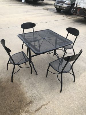 Metal patio furniture for Sale in White Plains, MD