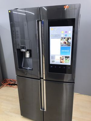 Brand new black stainless steel refrigerator with family hub for Sale in Houston, TX