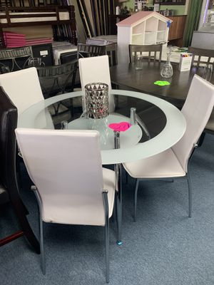New table with 4 chair for $289 for Sale in Richardson, TX