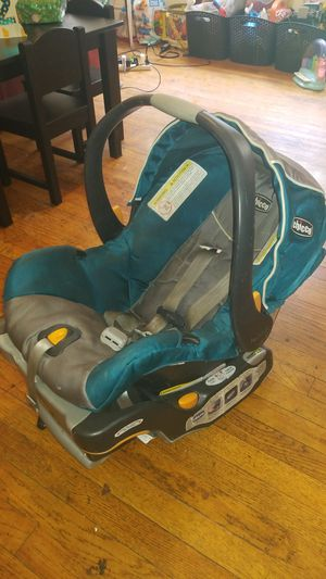 Chicco Keyfit 30 Infant Car Seat & Base for Sale in St. Louis, MO