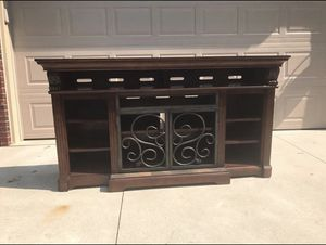 TV Console Table for Sale in Dearborn Heights, MI