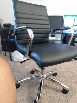 Office Chair ! Yes it's available. Please Send time to meet for Sale in Atlanta, GA