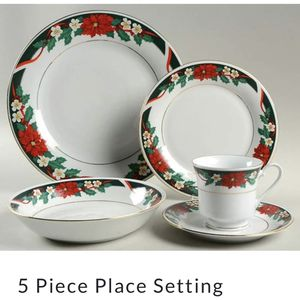 "12 person holiday Dinnerwear China Ming ""Deck the Halls"" for Sale in Weymouth, MA"