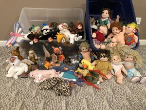 Huge collection of Beanie Baby's and Beanie Kids and a bag of Clothes for the BKids for Sale in Naperville, IL