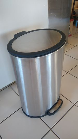 CLEAN 20 gallons large sized touchless foot push step pedal opening waste bin trash can, touch free stainless steel, kitchen household simplehuman for Sale in San Diego, CA