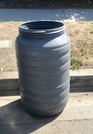 Barrel drum plastic industrial strength for Sale in Hacienda Heights, CA