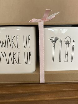 Rae Dunn Wake Up Make Up Brush Set for Sale in La Puente,  CA
