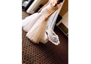 Wedding dress size 6 for Sale in Bellflower, CA