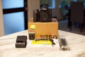 Nikon D750 bundle for Sale in Buffalo Grove, IL