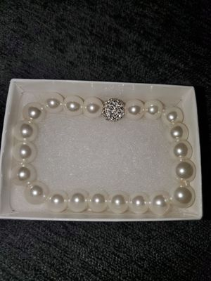 Pearl bracelet from Daniels Jewelers for Sale in La Mirada, CA