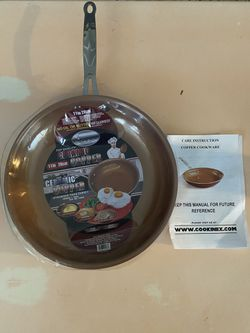 Brand new cookinex ceramic copper pan for Sale in Maywood,  CA