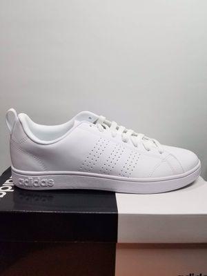adidas men shoe size 8.5, 9 for Sale in Garden Grove, CA