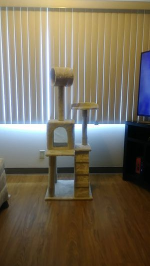 Cat tree for Sale in Peoria Heights, IL