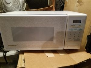 Small Goldstar microwave works. College dorm barracks for Sale in Murrieta, CA