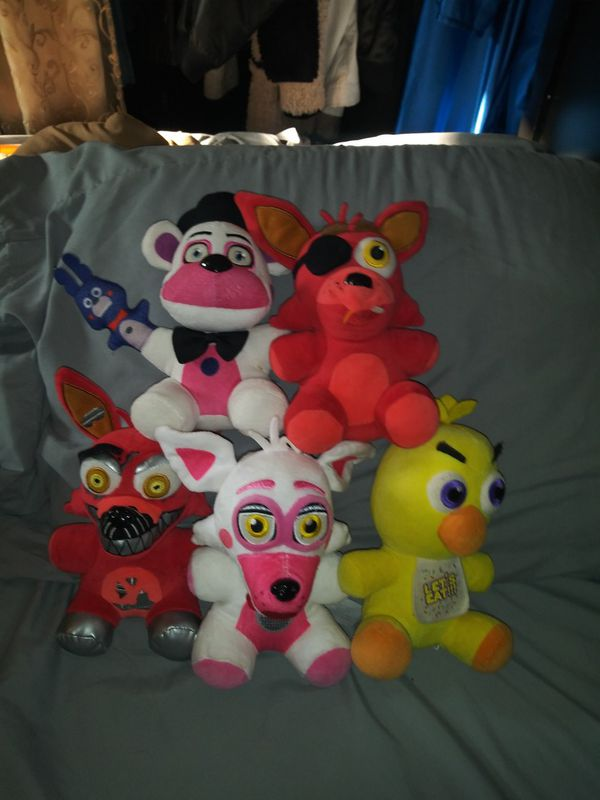Popular characters Plushies!! In great condition.