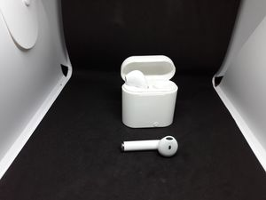 NEW white wireless earpods they are NOT apple but they work with ANY phone or bluetooth device!!! for Sale in Clackamas, OR