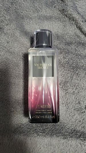 New vs fragrance mist for Sale in Chicago, IL