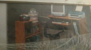 Computer Desk/Small Book Case w/ Chair for Sale in Columbus, OH